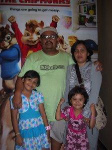 Wijaya dan keluarga