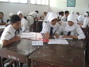 Kegiatan Belajar di SMP