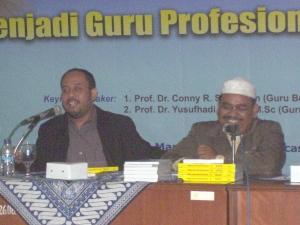 Dedi-Wijaya ketika Launching Buku PTK di Pascasarjana UNJ
