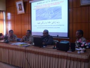 Kepala SMAN-1 Depok Sedang memberikan sambutan pada Workshop PTK