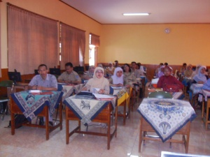 para Guru mendengarkan penjelasan Omjay tentang PTK