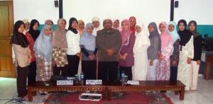 Foto Bersama dengan Peserta PTK Putri di Al Bayan
