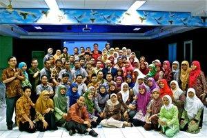 Bersama guru sekolah Dian Didaktika