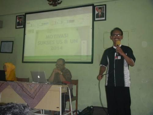 Bapak Denny Wirawan, M.Pd, Kepala SMKN 50 Jakarta