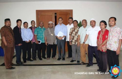 anies baswedan bersama komunitas guru TIK/KKPI
